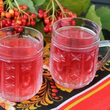 1. Этап. Готовый морс разлейте по стаканам, по желанию можете добавить мед если вам не слишком сладкое.