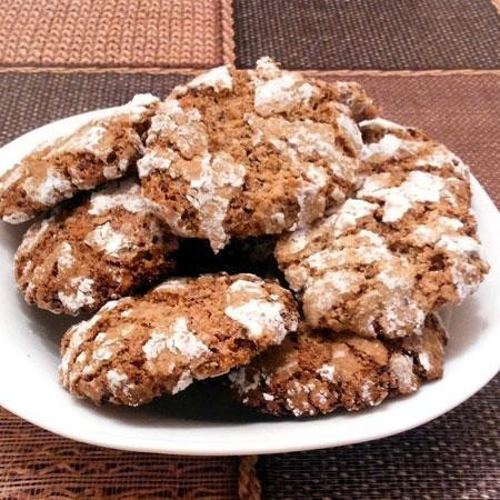 1. Этап. Готовое печенье оставьте в выключенной духовке еще на 10 минут. После можно выложить печенье на тарелку и приступать к чаепитию.