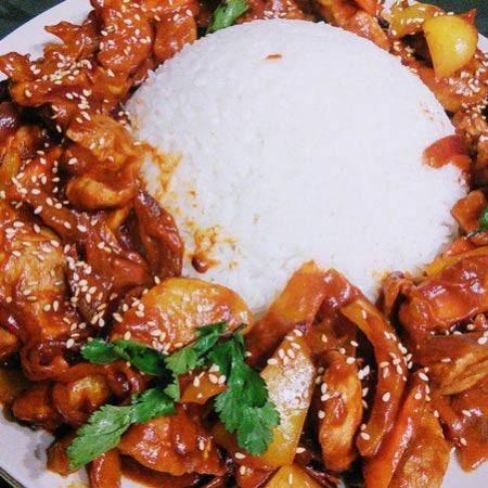 1. Этап. Готовое мясо перед подачей посыпьте кунжутом.