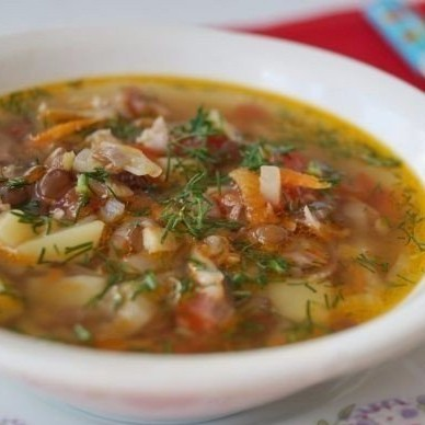 1. Этап. Зажарку добавьте в суп, посолите и поперчите по вкусу и варите еще 5 минут. Подавайте посыпав рубленным укропом.