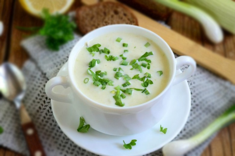 1. Этап. Подавайте суп горячим, очень вкусно с гренками или сухариками.