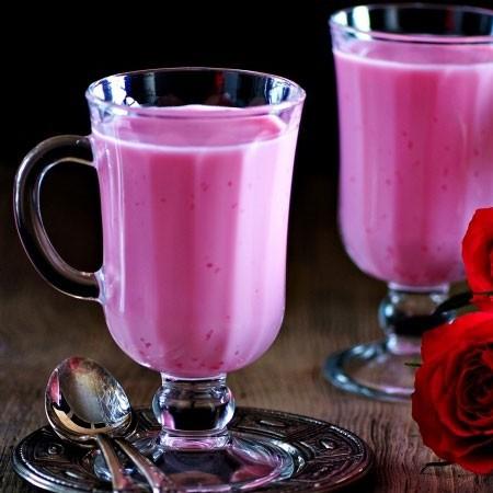 1. Этап. Разлейте наш десерт по креманкам или стаканам, поставьте в холодильник до полного застывания примерно на 1,5-2 часа. Можно подавать.