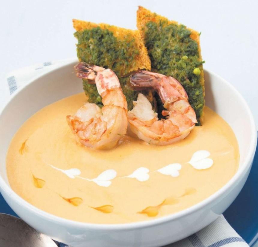 1. Этап. Готовый суп разлейте по тарелкам и украсьте королевскими креветками. Приятного аппетита!!!