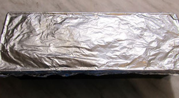 1. Stage. Place the prepared meat in a rectangular baking dish, cover with foil and cook for 45 minutes at 180 degrees.