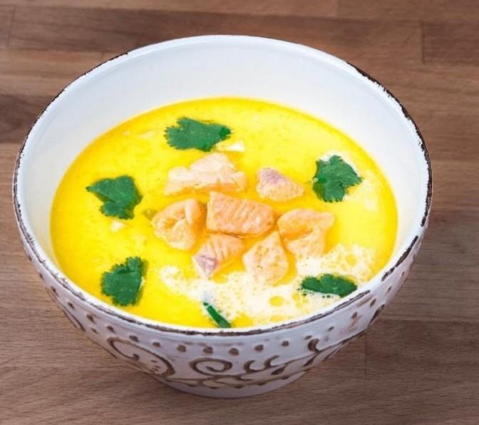 1. Этап. Картофель со сливками переложите в кастрюлю, верните рыбу и варите еще 5-10 минут. Подавайте горячим.