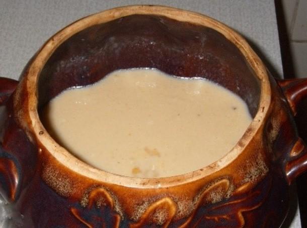 1. Этап. Кашу достаньте из духовки, добавьте масло и готовьте до образования золотистой корочки, после накройте крышкой и тушите еще 10 минут.
