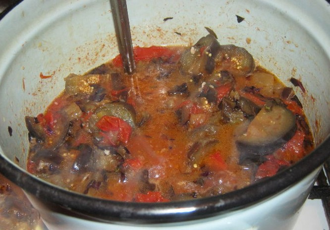 1. Stage. Add eggplant and simmer for 30 minutes.