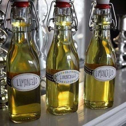 1. Stage. Bottled with a funnel and left to infuse for another 5 days. After 5 days, the finished drink can be put in the freezer. After about a day, it will cool to the desired temperature. <strong>The strength of the drink will be about 40%</strong>