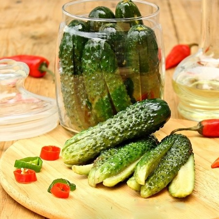 1. Stage. Store finished cucumbers in the refrigerator.