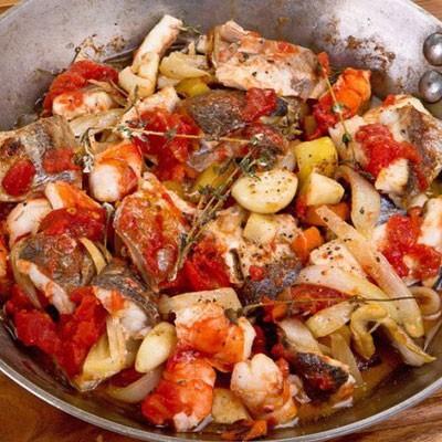 1. Этап. <strong>Рыбная сковорода по романски</strong> готова, подавайте теплой прямо в сковороде.