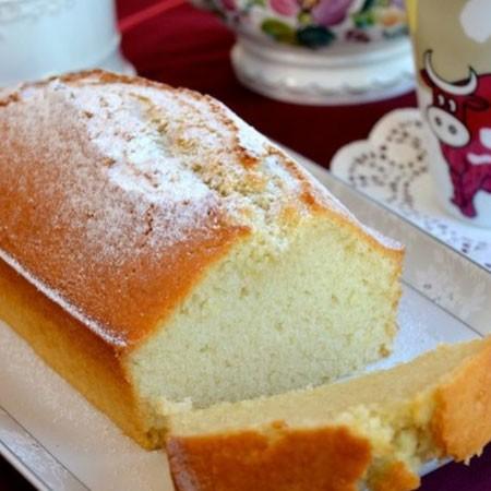 1. Этап. Готовый кекс охладите, нарежьте и подавайте. можете посыпать сверху сахарной пудрой.