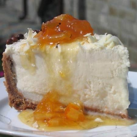 1. Этап. Украсть торт по желанию, так же можно подавать полив топингом или с джемом.