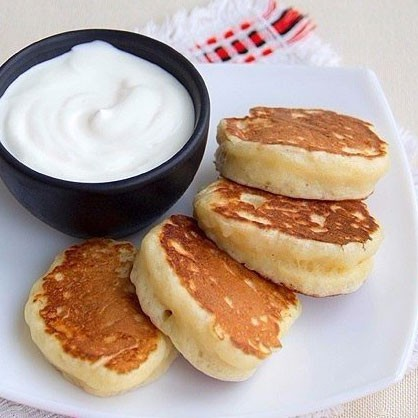 1. Stage. <strong>Lush pancakes</strong> are ready, serve warm.